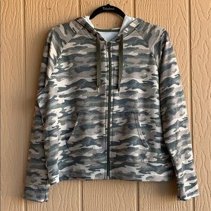 Xersion camo print work out zip up hoodie